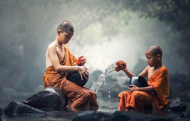 buddhist 1793421 640